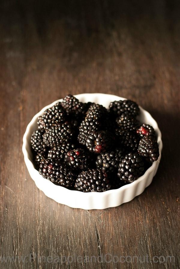 Blackberries www.pineappleandcoconut.com