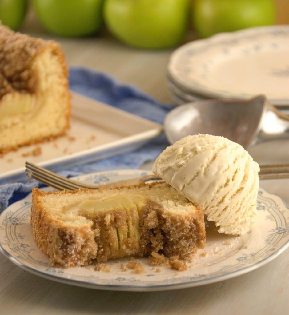 Apfelkuchen Bavarian Apple Cake pineappleandcoconut.com