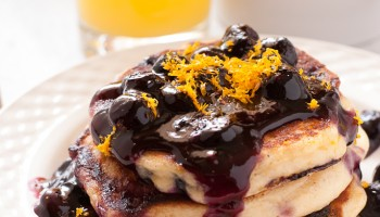 Gluten Free Meyer Lemon and Blueberry Pancakes Pineappleandcoconut.com #glutenfree  (6)