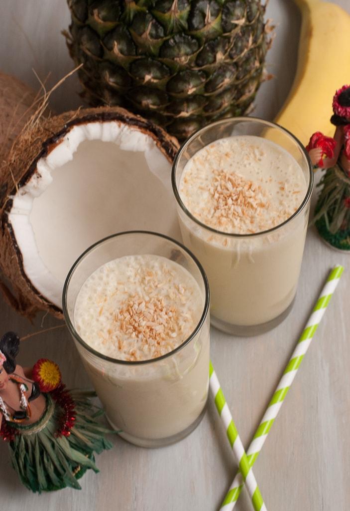 Hula Hula Tropical Smoothie Via PineappleandCoconut.com
