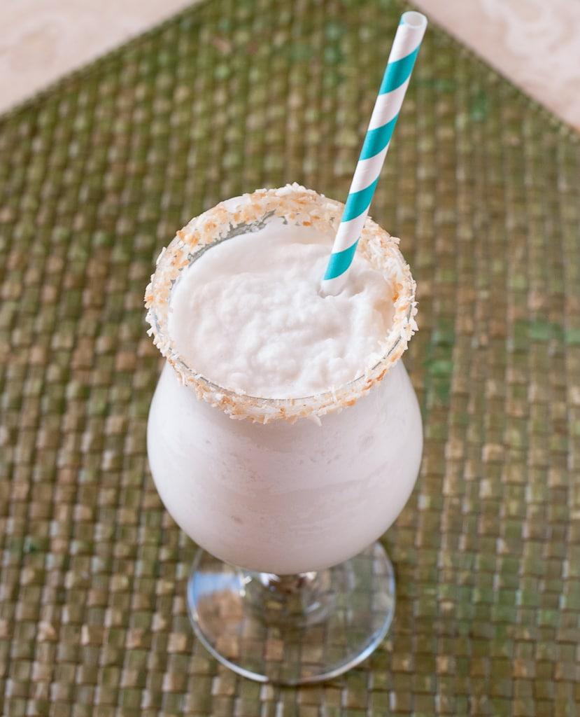 Coconut Lemongrass Margarita PineappleandCoconut.com #cincodemayo ...