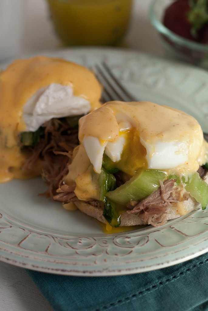 Kalua Pork Eggs Benedict with Sriracha Hollandaise Sauce PineappleandCoconut.com #mothersday #brunch