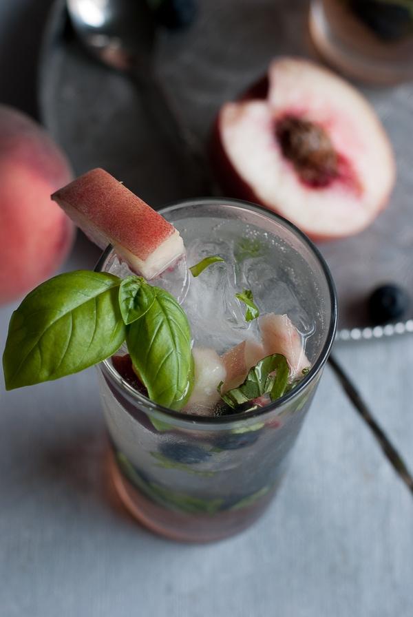 White Peach Basil and Blueberry Mojito \ www.PineappleandCoconut.com