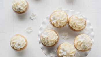 Sparkling Tahitian Vanilla Cupcakes-1192