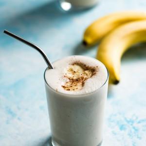 High Protein Banana Pancake Smoothie www.pineappleandcoconut.com