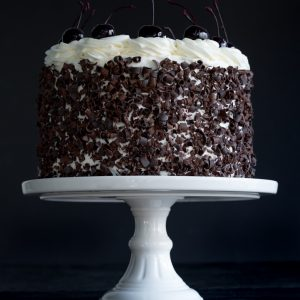 Schwarzwälder Kirschtorte (Black Forest Cake) www.pineappleandcoconut.com