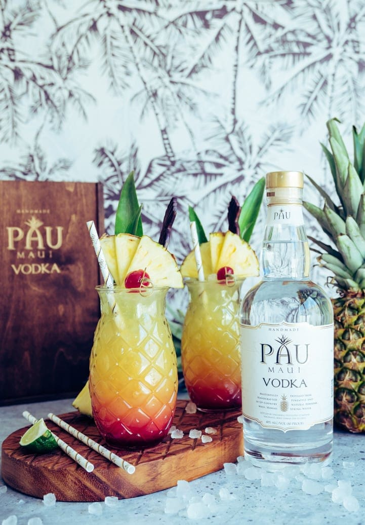 Maui Sunset Cocktail (Pineapple Hibiscus Vodka Cocktail) www.pineappleandcoconut.com #PAUMauiVodka #Earthday #sipresponsibly #noplastic #stopsucking #sipdontsuck #sponsored @paumauivodka