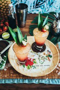 Hawaiian Honi Cocktail (Strawberry Hibiscus Rum Fizz Cocktail) www.pineappleandcoconut.com
