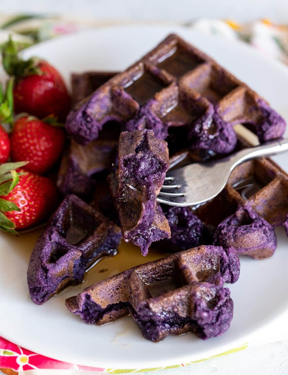 Ube Mochi Waffles (Purple Sweet Potato Mochi Waffles) www.pineappleandcoconut.com