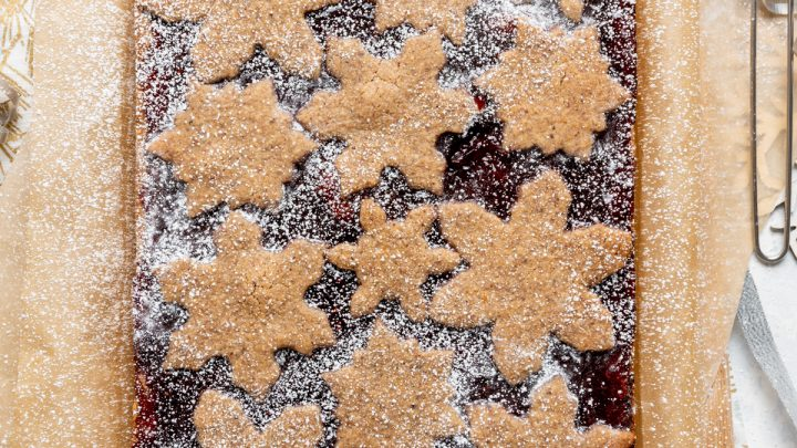 Mixed Berry Snowflake Linzer Torte Bars
