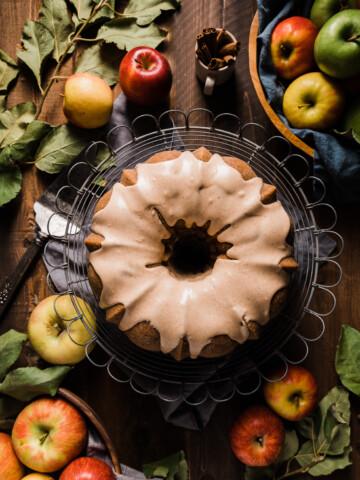 Spiced Apple Streusel Brown Sugar Bundt Cake 19